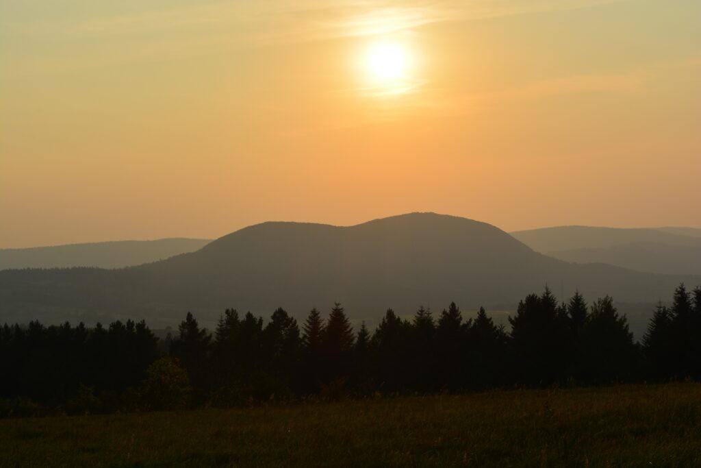 Góra Cergowa widziana z Przymiarek