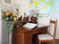 Dukla – Klasztor (Pensjonat Ojca Świętego) – biurko